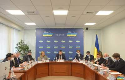 Служители Фемиды сдались: в Украине начинается судебная реформа
