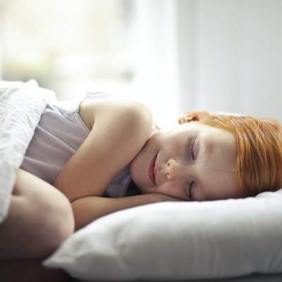 Як привчити дитину до правильного режиму сну перед школою: корисні поради
