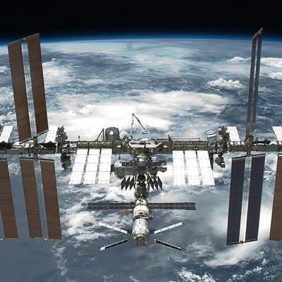 Екіпаж Crew Dragon приєднався до астронавтів на МКС: фото