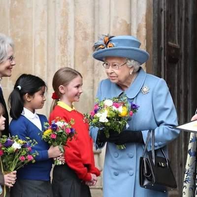 Елизавета II впервые за карантин появилась на конной прогулке: как королева держится в седле