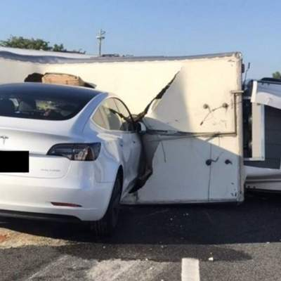 Автопилот Tesla стал причиной аварии с участием электрокара Model 3: видео