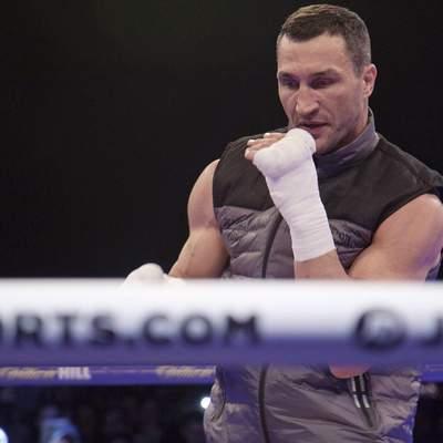 Це сталося: Кличко вийшов у ринг з Холіфілдом – відео