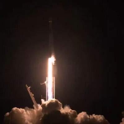 SpaceX запустила ракету Falcon 9: на орбиту вывели 57 спутников Starlink – видео