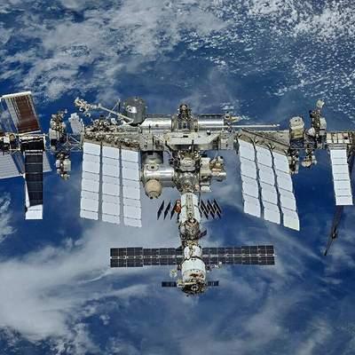 Космическая опасность для МКС: станция провела экстренный маневр