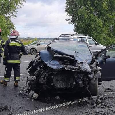 Авто вилетіло у кювет: на Львівщині трапилась жахлива аварія з 3 загиблими – фото