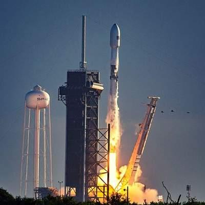 SpaceX успешно вывела на орбиту еще 60 спутников системы Starlink и установила новые рекорды