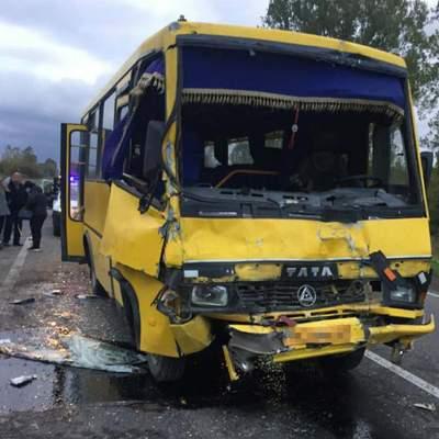 Масштабное ДТП на Львовщине с участием 2 автобусов: пострадали 10 пассажиров – фото