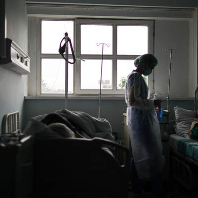 Компенсации не будет, больничные все еще ждем: откровенный рассказ медика, перенесшего COVID-19