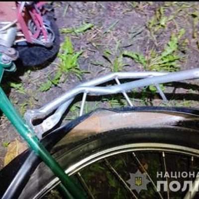 На Львівщині Mazda збила велосипедиста: чоловік помер у лікарні – фото