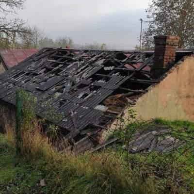 На Львовщине мужчина сгорел заживо в гараже: фото с места пожара