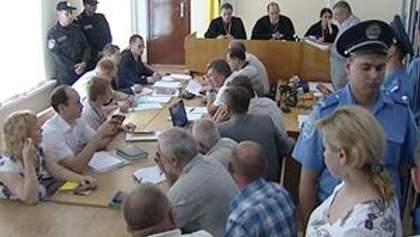 Луценко зачитывают обвинительное заключение без адвоката