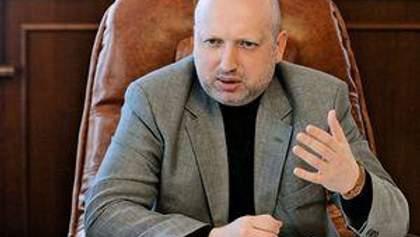 Турчинов запевнив, що доньки і чоловіка Тимошенко в списках опозиції не буде