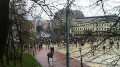 В Киеве проводят акцию в защиту Андреевского спуска