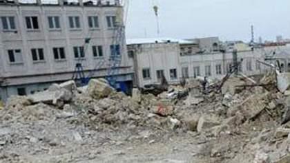 """До літа компанія Ахметова демонтує будівлі фабрики """"Юність"""" на Андріївському"""