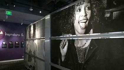 У Лос-Анджелесі відкрилася виставка, присвячена Вітні Х'юстон