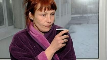 Мати Оксани Макар мріє про унітаз, як у Януковича