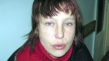Мати Оксани Макар каже, що не купувала салон краси