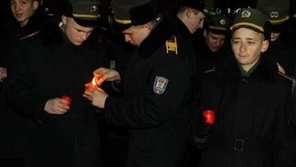 Во Львове свечным шествием почтили память Героев Крут (Фото)