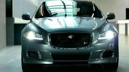Jaguar представив суперзаряджений седан та спецкупе для трекових днів