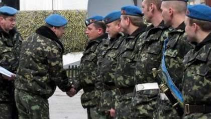 Міністр оборони Лебедєв пообіцяв контрактникам 6 тисяч на місяць