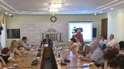 Оппозиция хочет ввести еще одного нардепа в ВСК по избиению журналистов