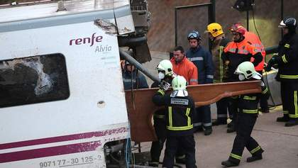 Машиниста разбившегося в Испании поезда поместили под стражу