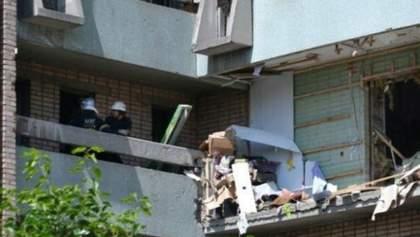 Спасатели продолжают искать людей под завалами луганской многоэтажки