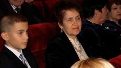 Людмила Янукович приучает внука к искусству (Фото. видео)
