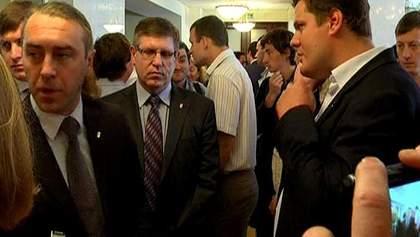 Депутати від опозиції не дали можливості провести сесію Київради