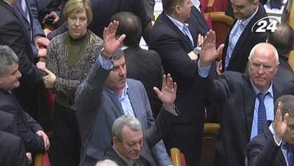 Итоги недели: В Украине приняли законы, которые угрожают тотальными репрессиями