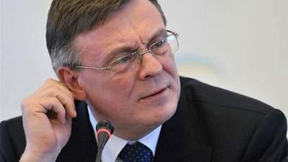 Кожара напомнил, что в несогласных с властью дипломатов есть возможность отставки