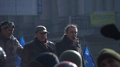 Мирошниченко говорит, что свободовцы не собираются сдавать депутатские мандаты