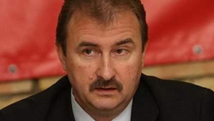 Суд арештував рахунки Попова