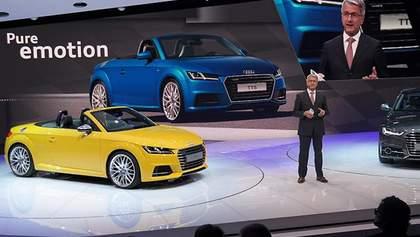 Німці привезли до Парижа три модифікації нового купе Audi TT