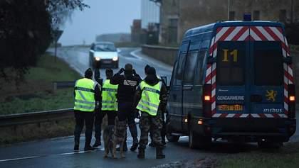 В результаті перестрілки під Парижем загинуло двоє людей