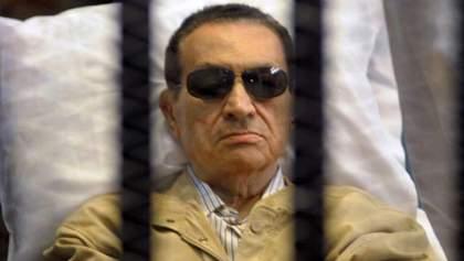 Екс-президента Єгипту на три роки відправили у в'язницю, бо накрав грошей