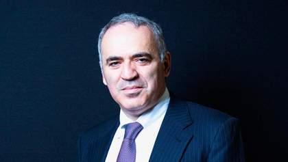 Запад постоянно нарушает санкции против России, — Каспаров