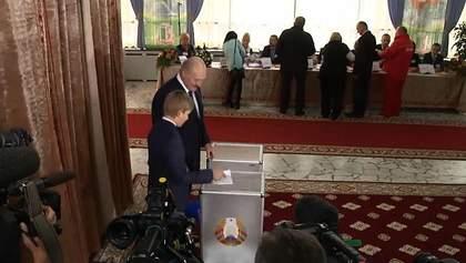 """Лукашенко решил научить своего сына голосовать """"сам за себя"""""""