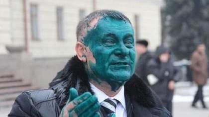 Хіт-парад облитих зеленкою регіоналів: а кого б облили ви?