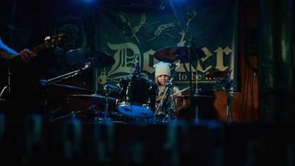 """Легендарные """"Мед Хедс"""" дали концерт вместе с 7-летней звездой соцсетей: яркое видео"""
