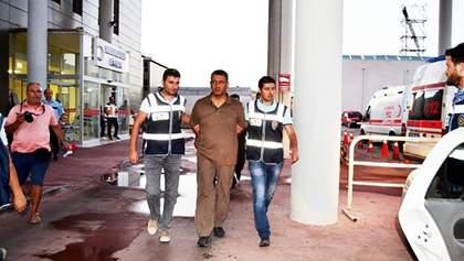 За попытку переворота в Турции задержали около 6 тысяч человек