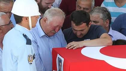 Переворот в Турции: количество жертв продолжает расти