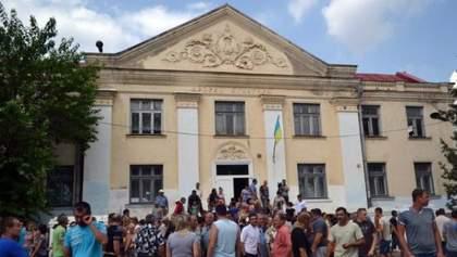 Роми погодились виїхати з Одещини: автобуси вже готові