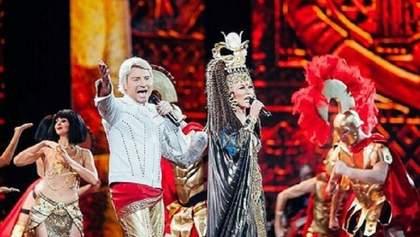 Повалій одягнулась у Клеопатру та вийшла на сцену Кремля