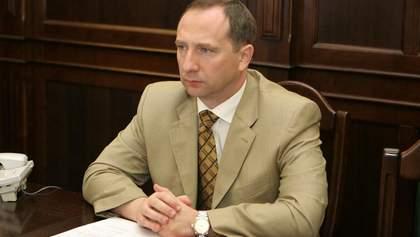 Глава АП Райнин получил 800 тысяч гривен от продажи недвижимости и положил в банк 5 гривен