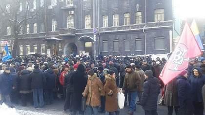 Митингующим под НБУ платят по 10 долларов, – ОБСЕ