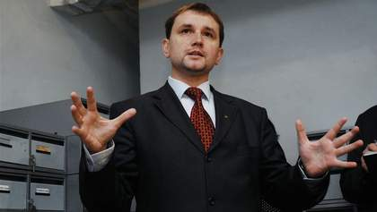 Скандал навколо могили Олеся: В'ятрович пояснив, що варто робити Україні