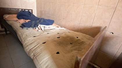 Пацієнтів Мукачівського психоневрологічного інтернату тримають у моторошних умовах