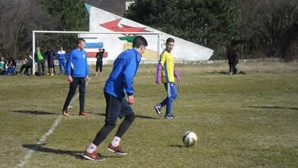 За игру в футбол крымских детей обвинили в организации митинга