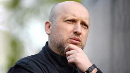 Нардеп-беглец: Турчинов и Лукьянчук вывели в офшоры колоссальную сумму